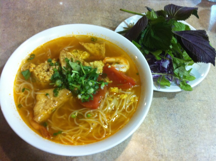 S4 bun rieu (shrimp noodle soup with crab, egg, & tofu)
