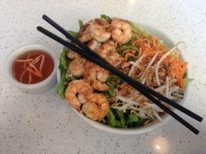 bun salad with shrimp