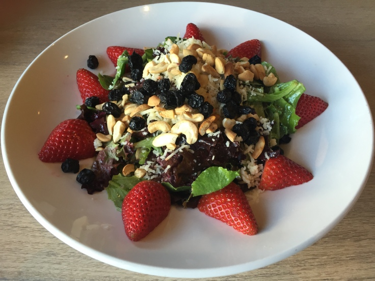 strawberry blueberry cashew salad