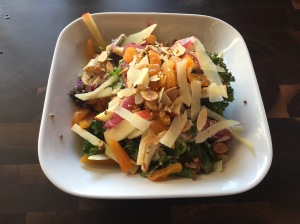 Hannah's Field salad with chicken