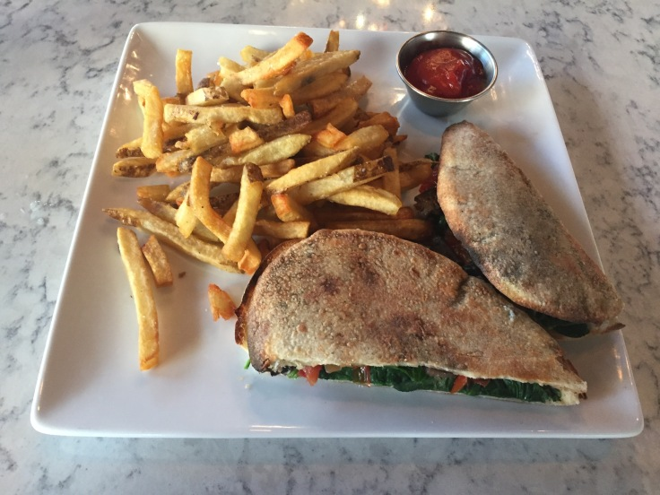 veggie sandwich with fries