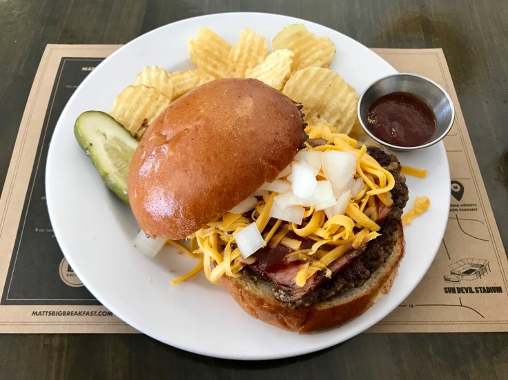 hickory burger with chips