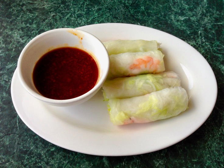 tom cuon (shrimp spring rolls)