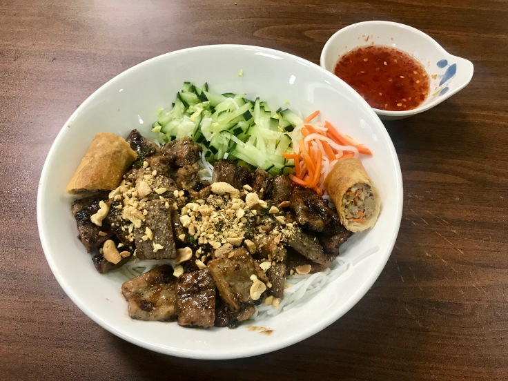 bun thit nuong cha gio (noodles with grilled pork and egg roll)